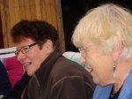 Stina och Ragnhild  - <p>S&aring; mycket s&aring;ng, s&aring; mycket gl&auml;dje den h&auml;r kv&auml;llen.</p> <p><em>Foto: Marina Nyman</em></p>